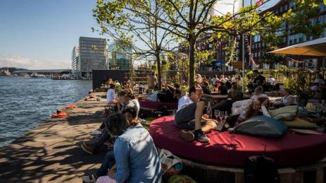 Nederland, Amsterdam, 15-08-2016. TERRASSENTEST. Het Terras van Meneer Nieges. Foto: Rink Hof